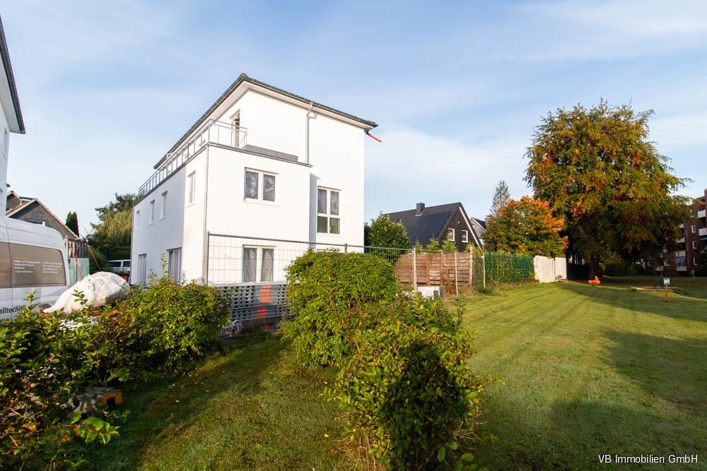 Immobilie Kaltenkirchen - Neubau von Top-Wohnung mit Terrasse und Dachterrasse im Doppelhauscharakter in Kaltenkirchen!
