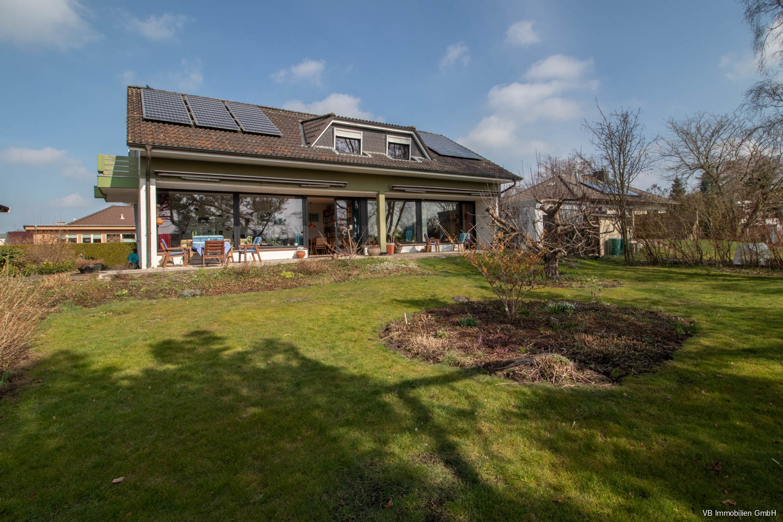 Immobilie Barmstedt - 360° Rundgang Tolles und großes Einfamilienhaus in unmittelbarer Nähe zum Rantzauer See in Barmstedt