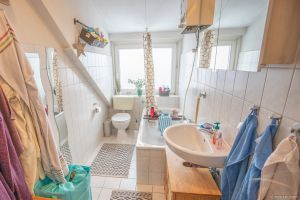 Immobilie Elmshorn - Elmshorn Süd! Gepflegte Zwei-Zimmer-Wohnung im Dachgeschoss zu vermieten